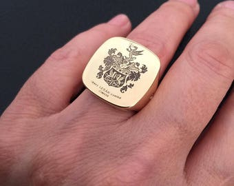 Crest ring, Signet ring, Crest signet rings, mens signet ring, crest engraved ring, Personalized Ring, family crest ring, College rings