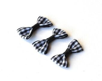 3 bows black gingham 30 x 15 mm