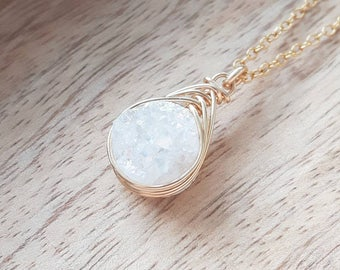 Druzy Pendant Necklace/White Genuine Druzy/Druzy Jewelry/Layering Necklace /Bridesmaids Jewlery/ Free Shipping Canada