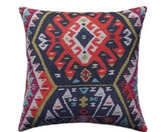SALE Kilim Pillow Cover, Tribal Throw Pillow, Aztec Pillow Cover, Boho Pillow - 11 SIZES - Longrock Fiesta Pillow Cover with Hidden Zipper