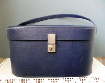 Vintage VANITY CASE Travel Case Overnight Case Navy Blue Overnight Bag RETRO Cosmetics Case Retro Beauty Case Lined Case Vintage Travel