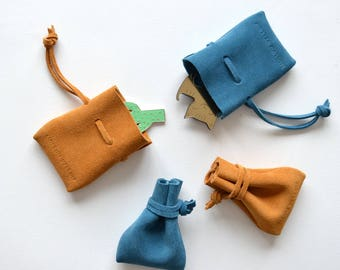 Jewelery pouch - Petite suede pouch / jewelery bag ring bag ring purse necklace bag jewelery storage bag small purse jewellery purse gift