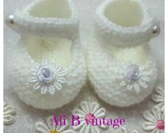 Baby Shoes, christening shoes Baby Girl's Shoes, Knitted Shoes, Shoes, White Baby Shoes, White Sparkle Shoes, Mary Jane Style, Flower Shoes