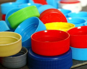 Plastic CAPS, Soda Caps, Colored Lids, Twistoff, CRAFTS, Games, Lot of 100, Assorted Colors, Mixed Sizes,Soda,water,milk,Games-Recycle-Reuse