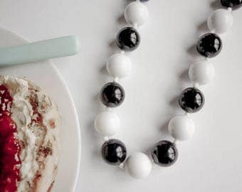 Swinging Sixties Monochrome Necklace