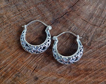 Hoop earrings, Silver Hoop Earrings, filigree, flower, Silver Earrings, Simple hoop earrings, Tribal hoop earrings, Ethnic earrings (E477)