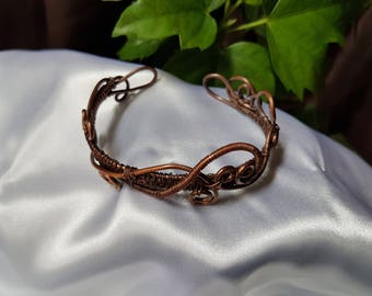 wire wrapped bracelet , adjustable bracelet. handmade bracelet. copper wire bracelet