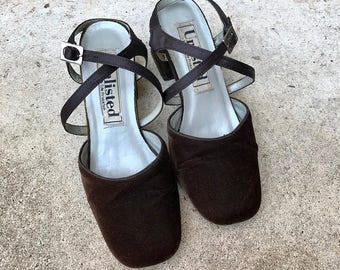 Vintage 1990's Chocolate Brown Velvet Chunky Heel Sandals | 6