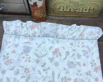 Vintage Sheets Linens Twin Fitted and Pillowcase Percale Floral