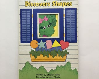 Vintage Baby Bop Discovers Shapes book, 1993 Baby Bop book, Baby Bop shape book, 90s baby bop book, 90s barney book, 90s Baby Bop, 93 Barney