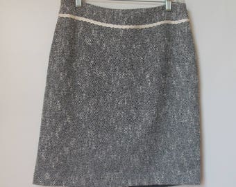 Vintage Village by Liz Claiborne Cotton/Acrylic Blend White/Navy Patterned Pencil Skirt Size 6