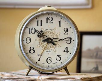 Large Retro Alarm Clock - Beige Russian Clock - USSR Vintage Clock - Wind Up Alarm Clock - Soviet Clock Jantar - Soviet Desk Clock