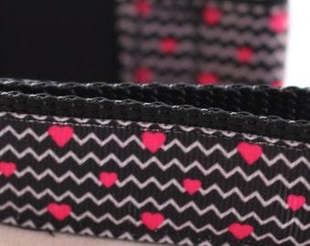 "Valentine Hearts on Black Dog Collar (1"") - Side Release Buckle"