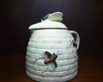 Vintage Honey Jar Honey Syrup Jar Syrup Pitcher Beehive Jar Ceramic Beehive Syrup Jar Yellow Bee Country Pitcher Pot