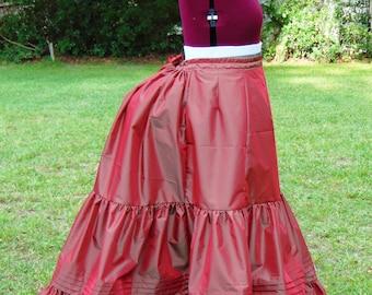 1870s Victorian Bustle Petticoat. Extra Full. Red, Green Two-Tone Taffeta. XL