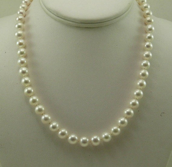 Freshwater White Round Pearl Necklace 14k White Gold Clasp 18 Inches