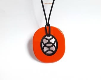 Chic Buffalo horn Pendant, Orange red lacquer, length 78mm width 68mm, light weight, adjustable cord [LF-001]