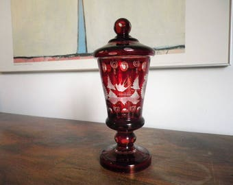 Bonbonnière on bohemian crystal foot red and transparent - Bohemian Crystal Dremware - Red Crystal - Christmas Gift -