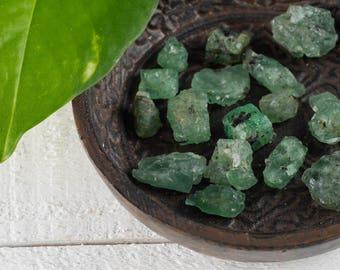 10g Small Raw EMERALD Crystals - Natural Emerald Stone, Raw Gemstone, Green Emerald, Loose Gemstone, Natural Gemstone, Raw Stones E0702
