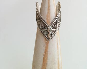 Vintage Sterling Silver Chevron V Shaped Detailed Rope Filigree Pointed Band Ring