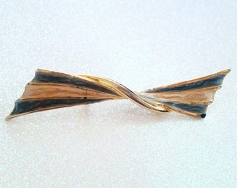 Vintage Two-tone Gold based Brooch Pin
