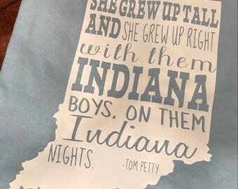 She grew up on them Indiana nights - Short sleeve unisex T-SHIRT