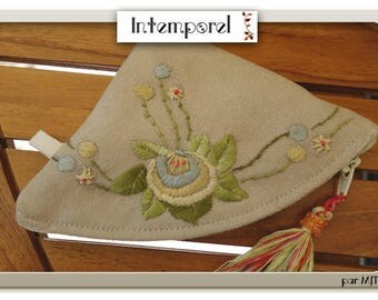 Kit quarter circle embroidered suede