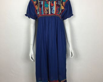 Vtg 70s cotton embroidered mexican floral huipil summer dress medium