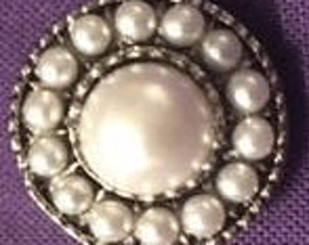 Beautiful New White Beaded 18mm Interchangeable Snap - Perfect for All Your Snap Jewelry