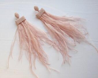 Feather long earrings Dutsy pink feather earrings Ostrich feather earrings Fluffy earrings Statement Earrings handmade Wedding earrings