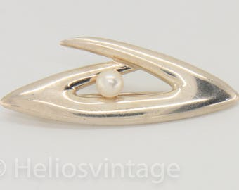 Vintage sterling silver brooch with a natural pearl, silver pin, bridal brooch, pearl jewelry, modern brooch, gift for her, free shipping