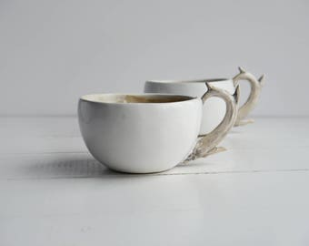 Mug decorated with antlers, ceramic mug, mug with deer, mug with antlers, ceramic deer, ceramic horns, cup,