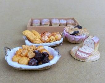 Bread basket or tray