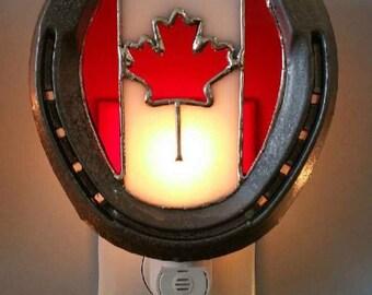 Canadian Horseshoe Nightlight // Canadian Flag Nightlight