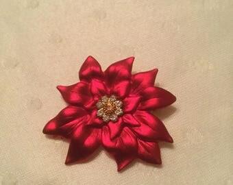 gorgeous! Vintage poinsettia pin with rhinestone center