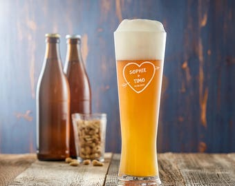 Engraved Wheat Beer Glass - Customised with Names and Date of Your Choice - Heart & Arrow - Romantic Gift - Gift for Couples - Wedding Gift