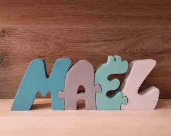Mael customizable wooden name letters.