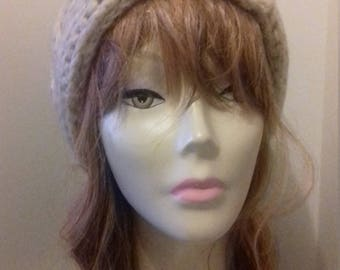 Chunky beige knitted woolly beanie hat