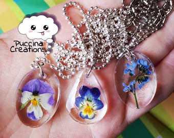 Resin Real Flowers Necklace (pendant with real flowers in resin)