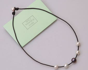 Pearl Leather Choker Necklace,Blue Freshwater Pearls Pendant Necklace Jewelry Women White Stones Beaded Jewelry,Girls Birthday Gift