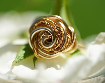 Size 7.5 - Gold rose ring