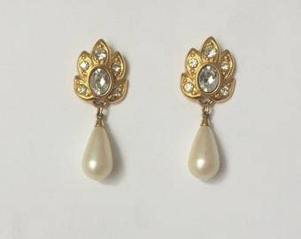 Vintage 1970's Napier Signed Gold Rhinestones Pearls Dangle Drop Earrings