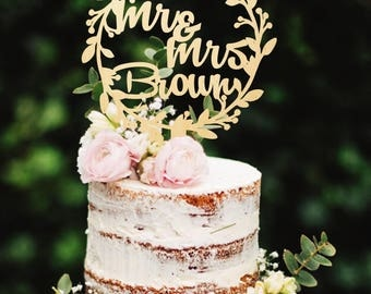 Mr and Mrs Cake Topper Wooden Cake Topper Wedding Cake Topper Wreath Cake Topper Last Name Cake Topper Rustic Cake Topper Golden Cake Topper