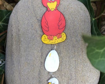 Hen and her chick egg niches in necklace