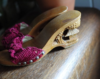 Vintage Asian Knit and Carved Heels size 6-7