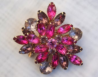 1950's VINTAGE Fuchsia and Light Purple Rhinestone Brooch