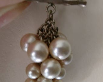 Vintage Silver Tone Faux Pearl Bunch Of Grapes Brooch