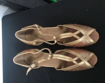 Gold T-Strap Peep Toe Vintage Style Heels