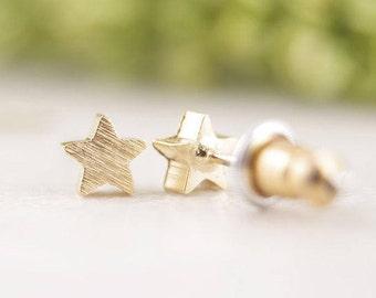 Gold Star Earrings Small Brushed Silver Stud Earrings Minimalist Geometric Fashion Earrings Simple Cute Trend Petite Matte
