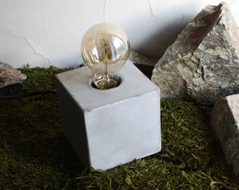 "Lamp with dimmer and Edison lamp ""GOLDEN CUBE"""
